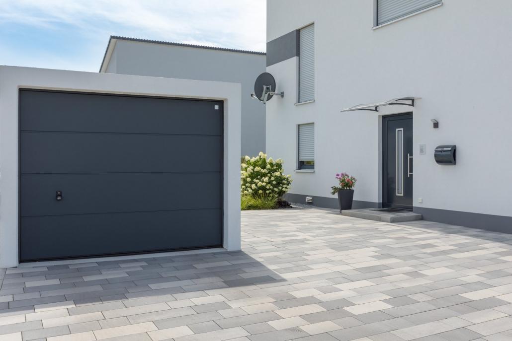 Garage préfabriqué gris anthracite